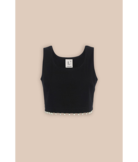 BLACK ROUND-NECK TOP WITH PEARLS