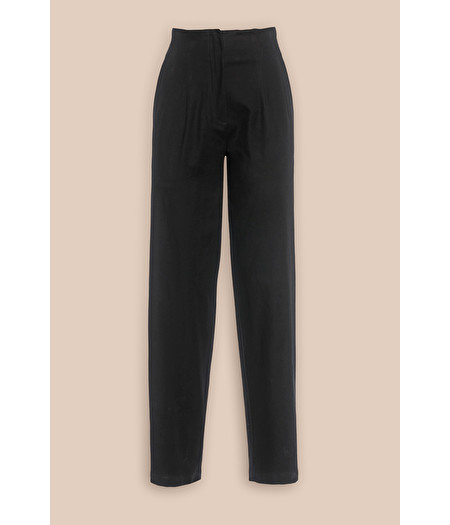 HIGH-RISE TROUSERS IN BLACK GABARDINE