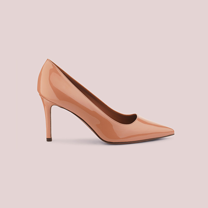 NUDE PATENT-LEATHER COURT SHOE | L