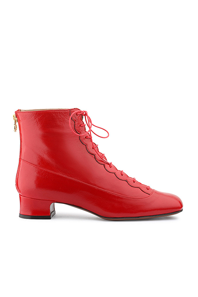 RED LACE-UP ANKLE BOOT WITH LOW HEEL AND SCALLOP DETAIL - L AUTRE 17c853558d53